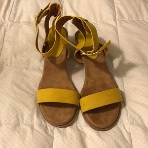 Charlotte Russe Yellow strap sandals Size 8